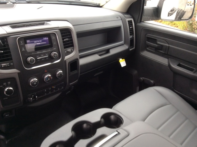 2018 Ram 3500 Regular Cab DRW 4x4,  Cab Chassis #18R420 - photo 17