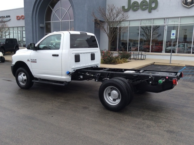 2018 Ram 3500 Regular Cab DRW 4x4,  Cab Chassis #18R420 - photo 2