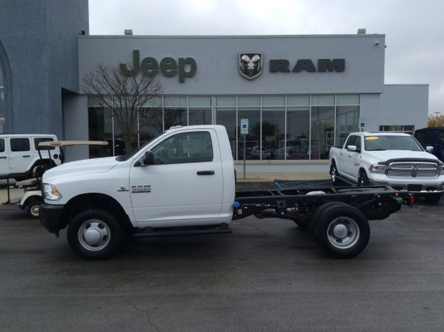 2018 Ram 3500 Regular Cab DRW 4x4,  Cab Chassis #18R420 - photo 7