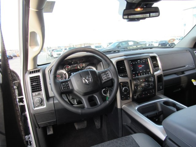 2018 Ram 1500 Crew Cab 4x4, Pickup #18R59 - photo 14