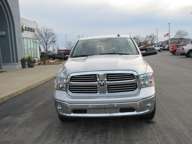 2018 Ram 1500 Crew Cab 4x4, Pickup #18R59 - photo 3