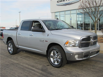2018 Ram 1500 Crew Cab 4x4, Pickup #18R59 - photo 4