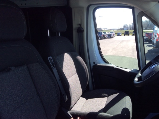2018 ProMaster 2500 High Roof, Cargo Van #18R85 - photo 41