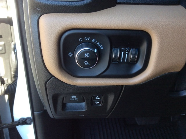 2019 Ram 1500 Crew Cab 4x4,  Pickup #19R158 - photo 30