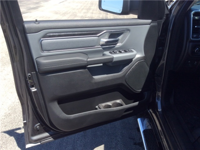 2019 Ram 1500 Crew Cab 4x4, Pickup #19R17 - photo 28