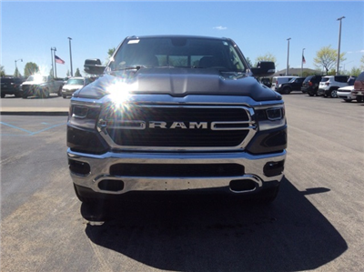 2019 Ram 1500 Crew Cab 4x4, Pickup #19R17 - photo 4