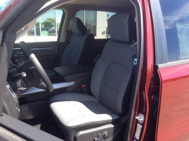 2019 Ram 1500 Crew Cab 4x4,  Pickup #19R5 - photo 32