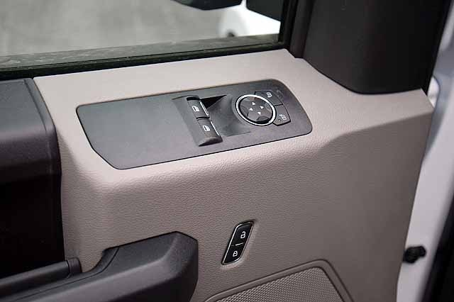 2018 F-150 Regular Cab 4x2,  Pickup #T18182 - photo 10