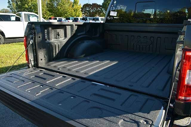 2018 F-150 SuperCrew Cab 4x4, Pickup #T1859 - photo 10