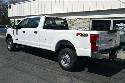 2018 F-250 Crew Cab 4x4, Pickup #T2830 - photo 4