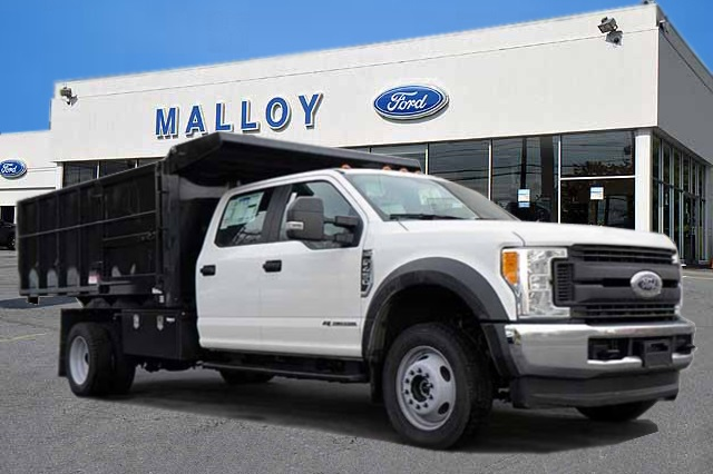 2017 F-450 Crew Cab DRW 4x4,  Reading Landscaper SL Landscape Dump #T3755 - photo 1