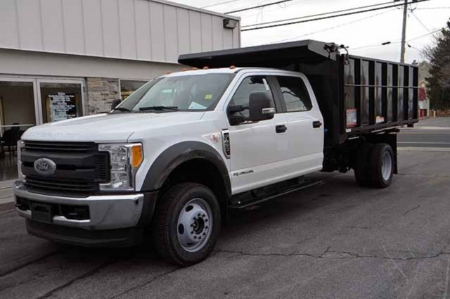2017 F-450 Crew Cab DRW 4x4,  Reading Landscaper SL Landscape Dump #T3755 - photo 4