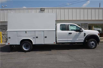 2018 F-450 Super Cab DRW 4x4,  Reading Panel and Tapered Panel Body Service Utility Van #T3829 - photo 4