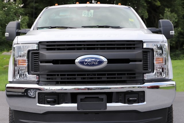2018 F-350 Crew Cab DRW 4x4,  Reading Service Body #T3861 - photo 9