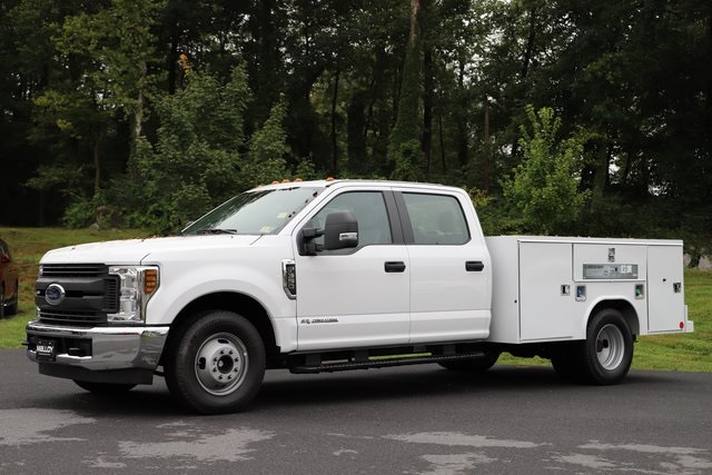 2018 F-350 Crew Cab DRW 4x2,  Reading Service Body #T3863 - photo 3