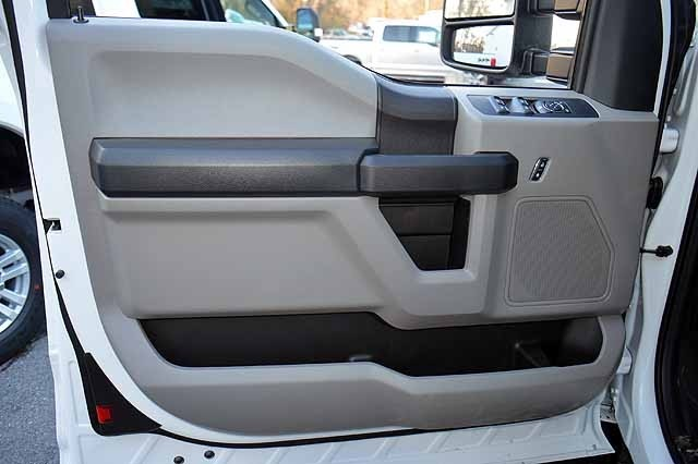 2018 F-550 Super Cab DRW 4x4,  Reading Panel and Tapered Panel Service Utility Van #T7806 - photo 11