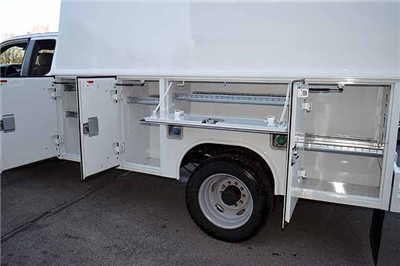 2018 F-550 Super Cab DRW 4x4,  Reading Panel and Tapered Panel Service Utility Van #T7806 - photo 5