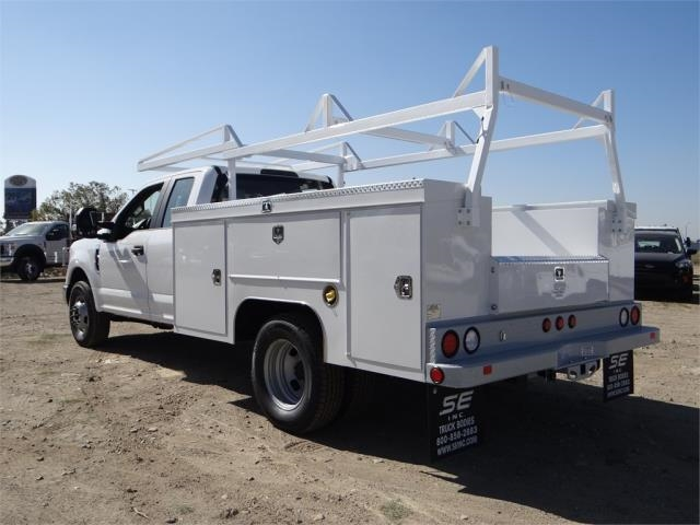 2018 F-350 Super Cab DRW 4x2,  Scelzi Service Body #FJ1893 - photo 2