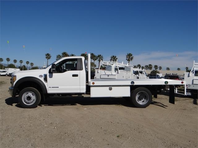 2018 F-550 Regular Cab DRW 4x2,  Scelzi Flatbed #FJ1989 - photo 3