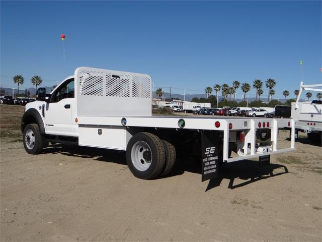 2018 F-550 Regular Cab DRW 4x2,  Scelzi Flatbed #FJ1989 - photo 2