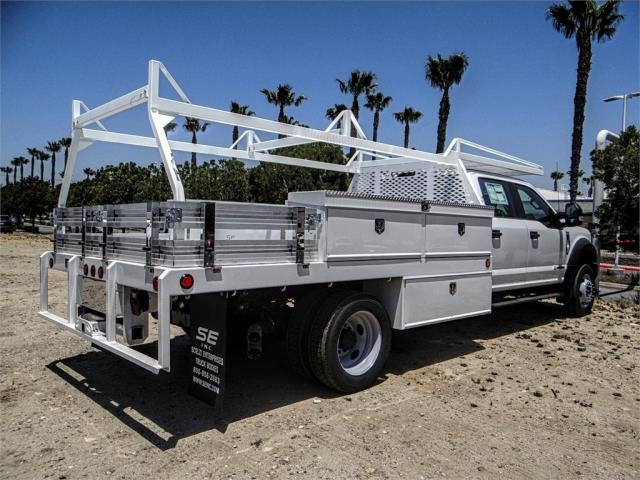2018 F-550 Crew Cab DRW 4x2,  Scelzi Contractor Body #FJ3015 - photo 4
