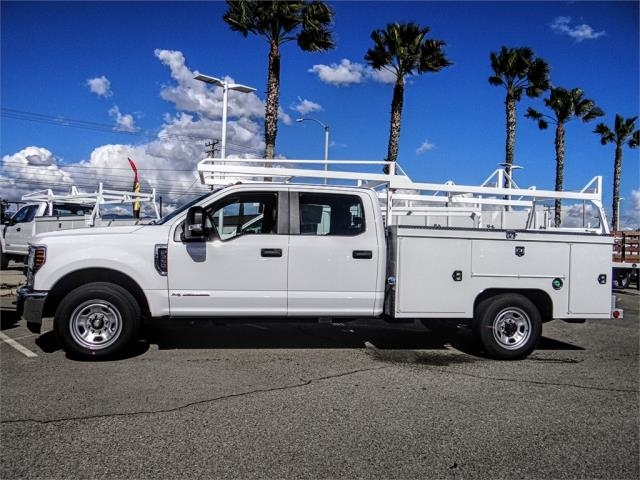 2019 F-350 Crew Cab 4x2,  Scelzi Service Body #FK2293 - photo 3