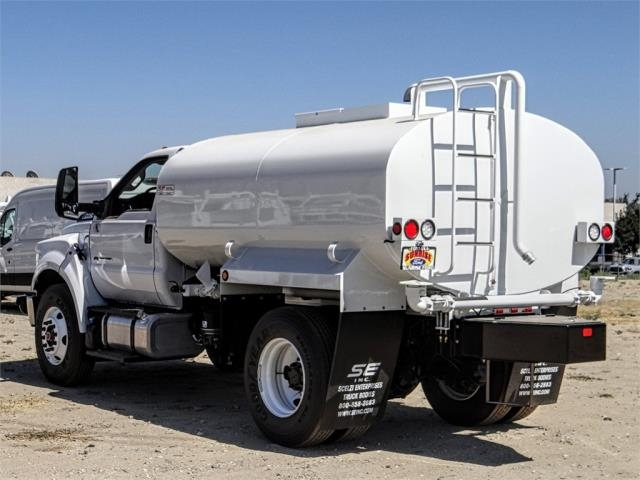 2019 F-750 Regular Cab DRW 4x2,  Scelzi Water Truck #FK3992 - photo 2