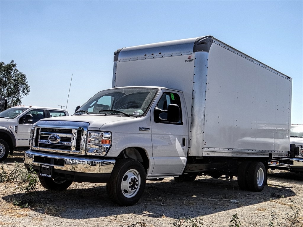 2019 E-450 4x2, Supreme Cutaway Van #FK4165 - photo 1