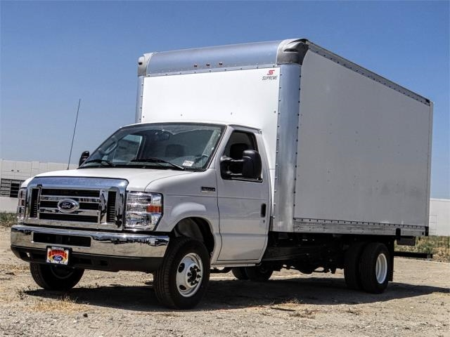 2019 E-450 4x2, Supreme Cutaway Van #FK4298 - photo 1