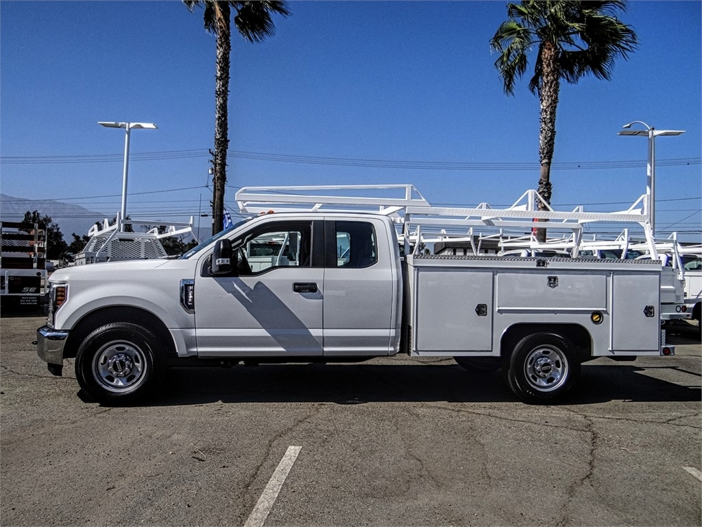 2019 F-350 Super Cab 4x2,  Scelzi Signature Service Body #FK4462DT - photo 3
