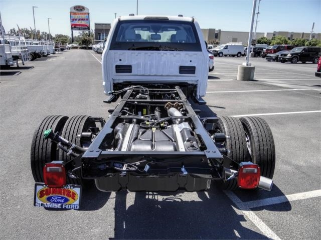 2020 Ford F-450 Crew Cab DRW 4x2, Cab Chassis #FL2944 - photo 9