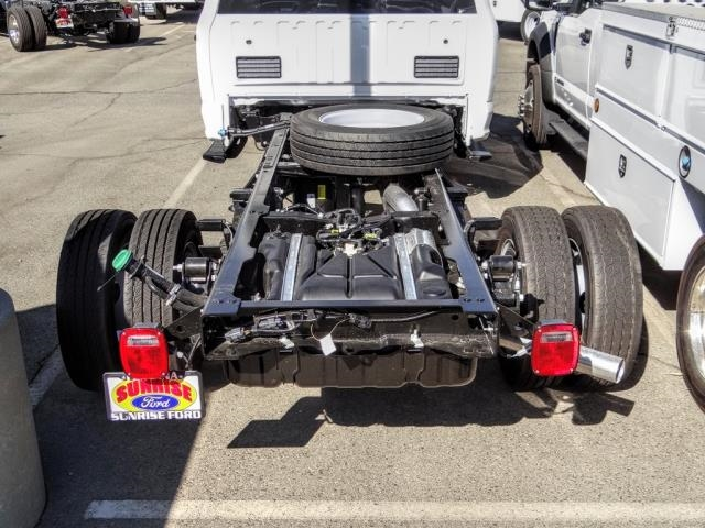 2020 Ford F-450 Crew Cab DRW 4x2, Cab Chassis #FL4110 - photo 4