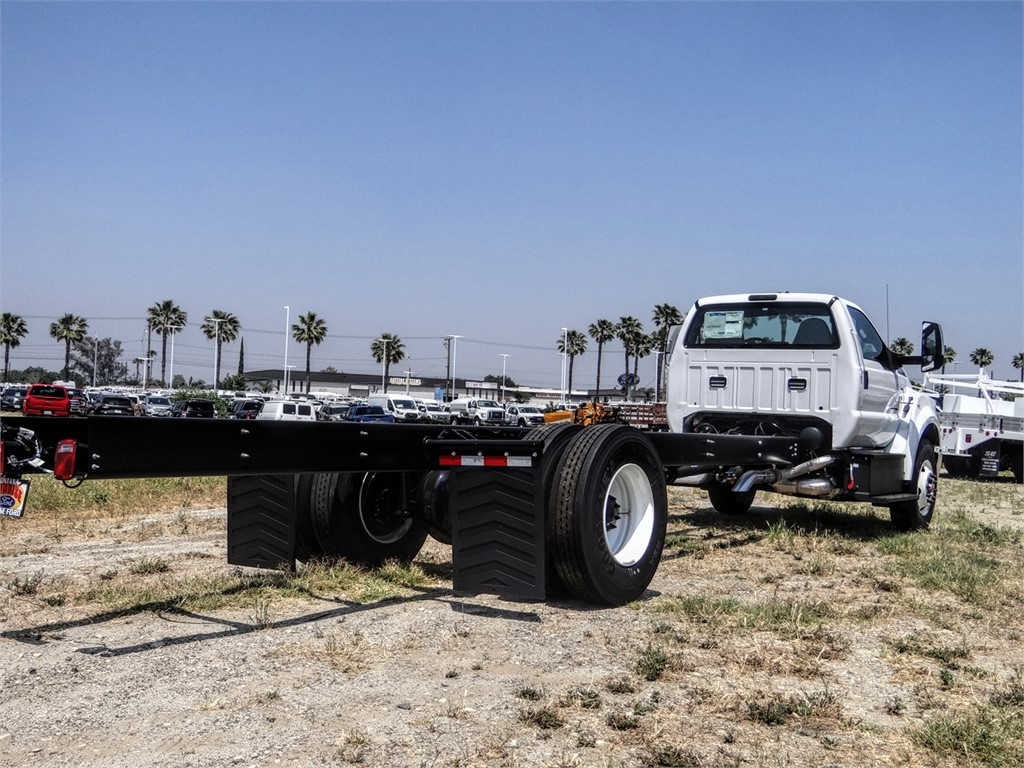 2021 Ford F-750 Regular Cab DRW 4x2, Cab Chassis #FM0009 - photo 21