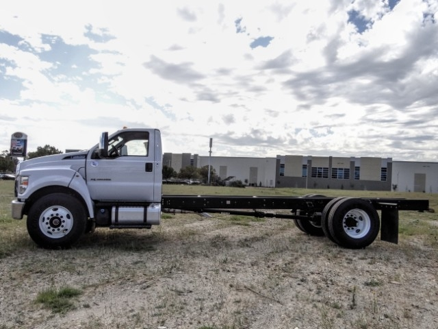2021 Ford F-650 Regular Cab DRW 4x2, Cab Chassis #FM0010 - photo 3