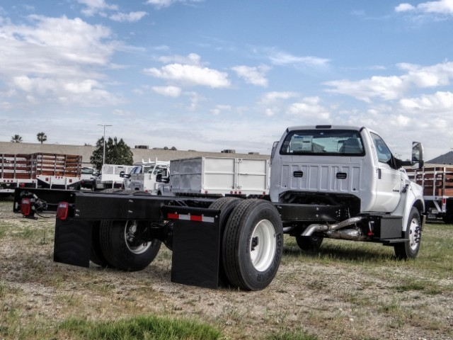 2021 Ford F-650 Regular Cab DRW 4x2, Cab Chassis #FM0010 - photo 4