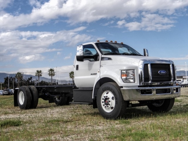2021 Ford F-650 Regular Cab DRW 4x2, Cab Chassis #FM0010 - photo 6