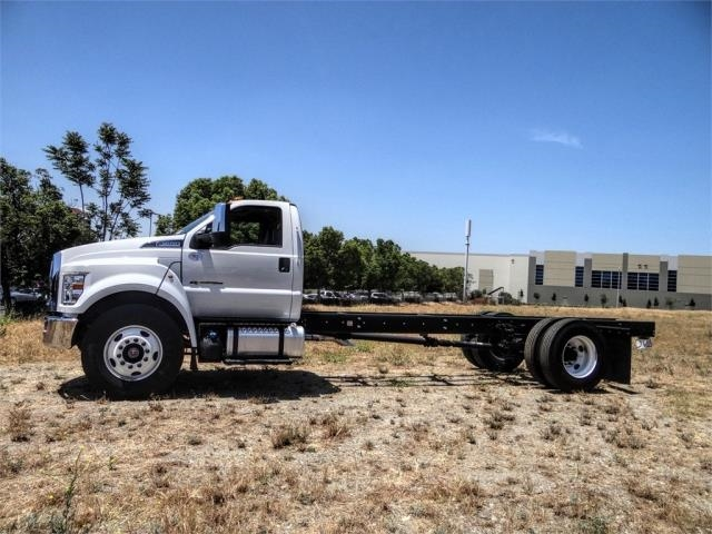 2021 Ford F-650 Regular Cab DRW 4x2, Cab Chassis #FM0012 - photo 3