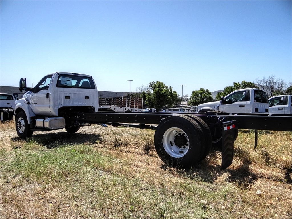 2021 Ford F-750 Regular Cab DRW 4x2, Cab Chassis #FM0014 - photo 20