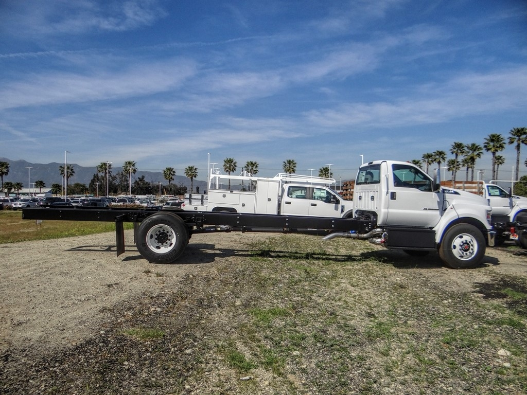 2021 Ford F-750 Regular Cab DRW 4x2, Cab Chassis #FM0014 - photo 7