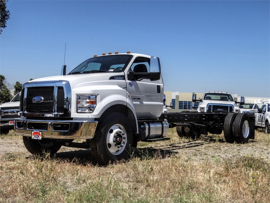 2021 Ford F-750 Regular Cab DRW 4x2, Cab Chassis #FM0015 - photo 18