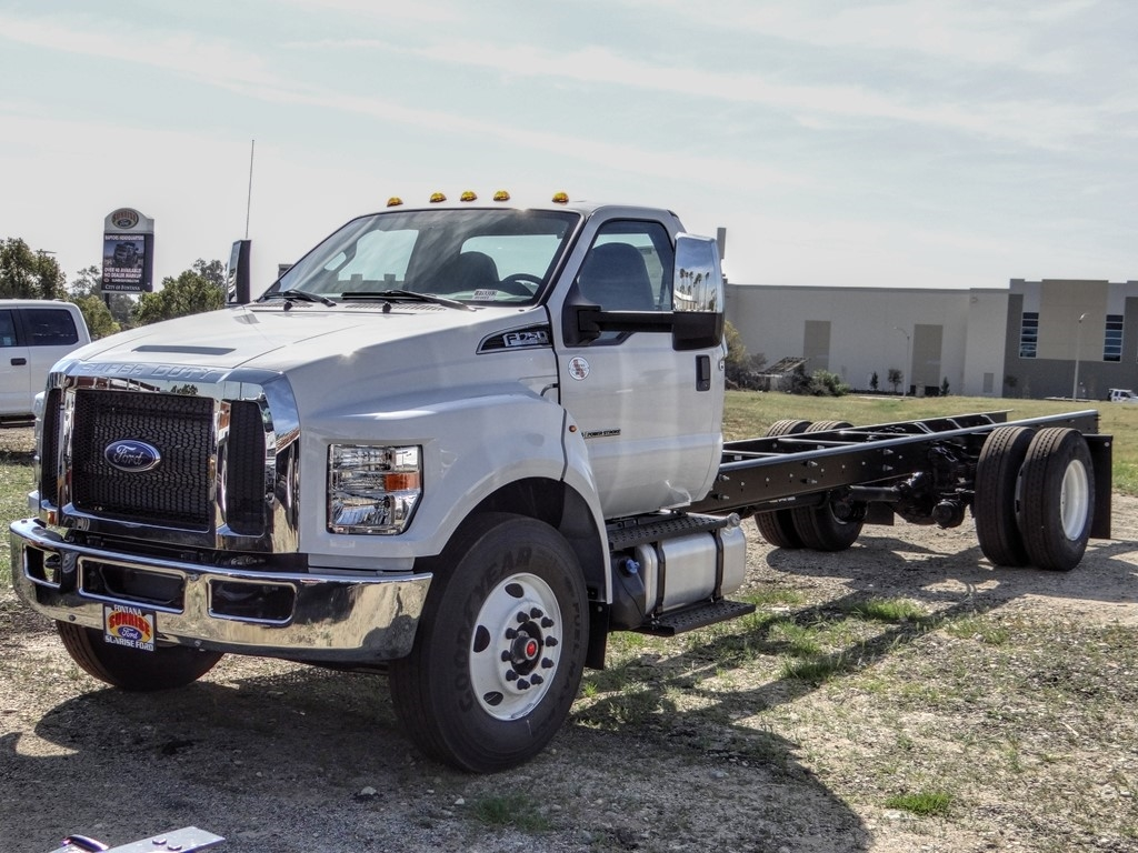 2021 Ford F-750 Regular Cab DRW 4x2, Cab Chassis #FM0015 - photo 1