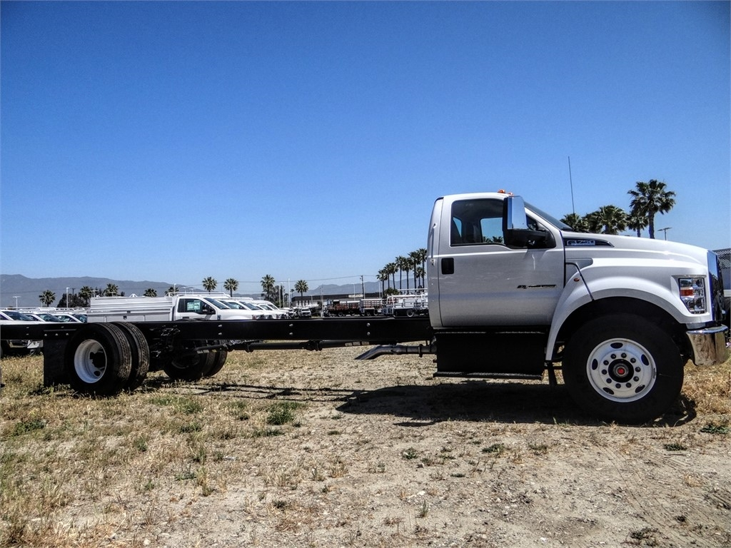 2021 Ford F-750 Regular Cab DRW 4x2, Cab Chassis #FM0015 - photo 22