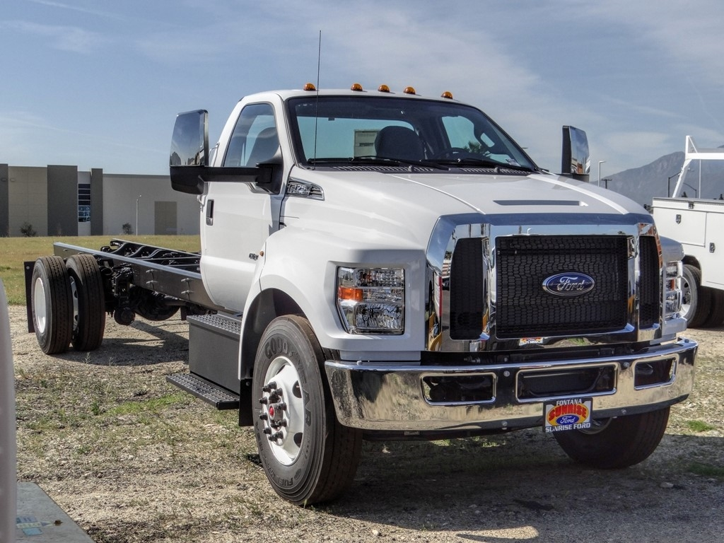2021 Ford F-750 Regular Cab DRW 4x2, Cab Chassis #FM0015 - photo 8