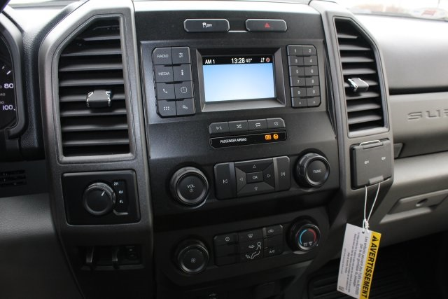 2020 F-350 Crew Cab DRW 4x4, Cab Chassis #GC11043 - photo 7