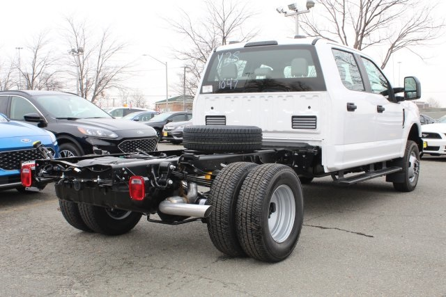 2020 F-350 Crew Cab DRW 4x4, Cab Chassis #GC11047 - photo 4