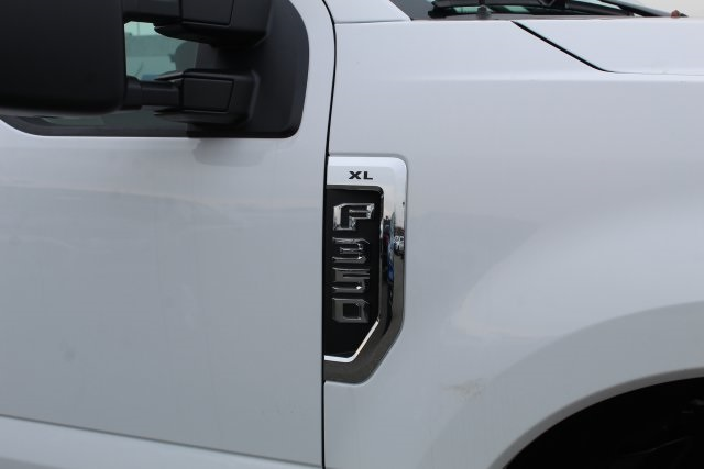 2020 F-350 Crew Cab DRW 4x4, Cab Chassis #GC11047 - photo 5