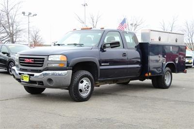 2005 Sierra 3500 4x4, Reading Service Body #GC13634A - photo 2
