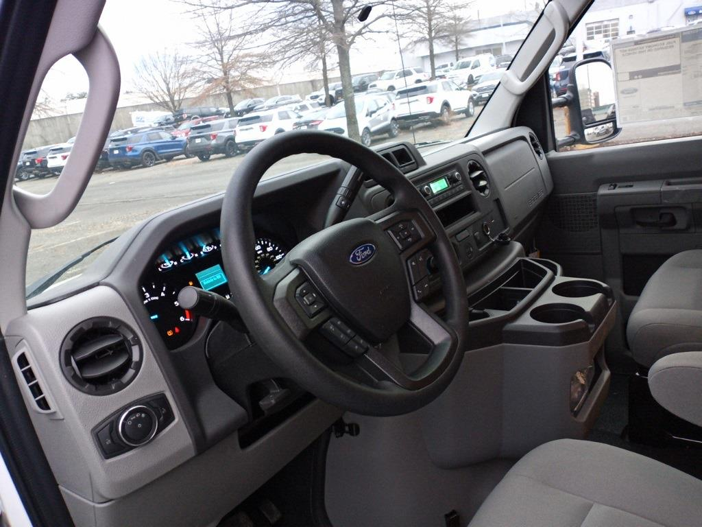 2021 Ford E-350 4x2, Unicell Aerocell CW Cutaway Van #GC37208 - photo 10