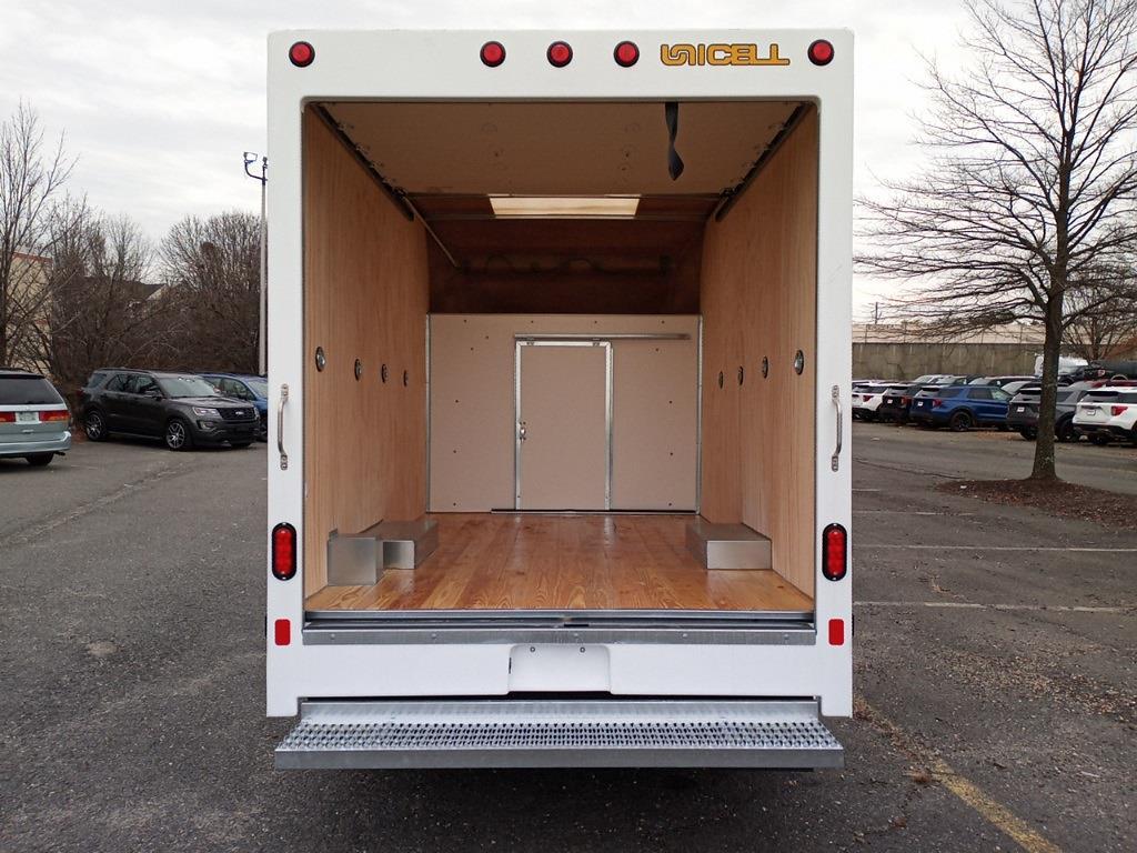 2021 Ford E-350 4x2, Unicell Aerocell CW Cutaway Van #GC37208 - photo 7