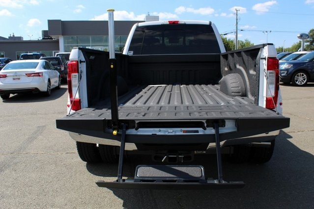 2019 F-350 Crew Cab DRW 4x4, Pickup #GD08019 - photo 12